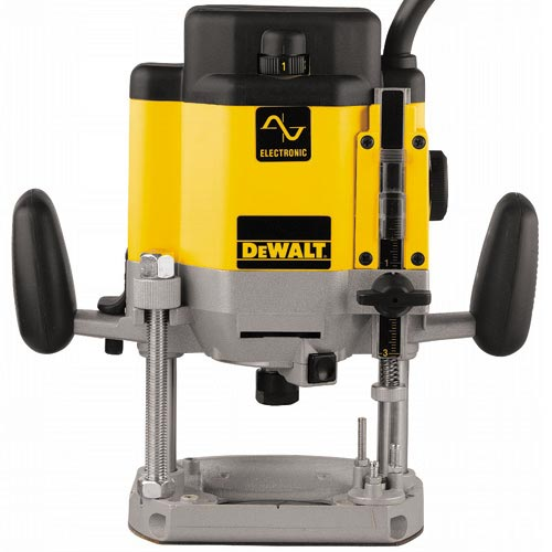 DeWalt DW625 3 HP (maximum motor HP) EVS Plunge Router